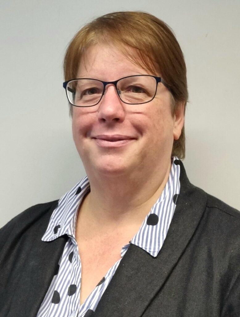 Julie ATI-Mirage Trainer